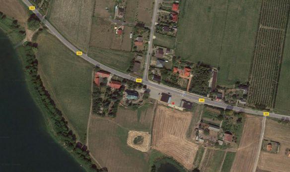 Miejsce ustawienia pojemników na odpady w miejscowości Lubotyń.